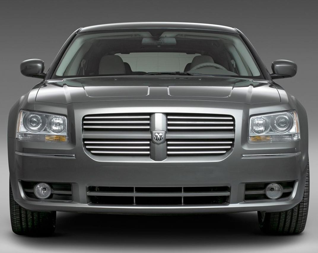 """Автомобиль """"Додж Магнум"""" сделает своего владельца самым стильным"""